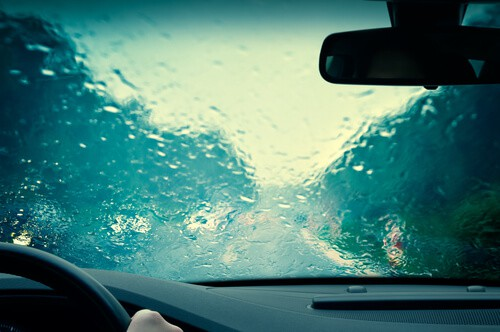 driving in bad weather moving house